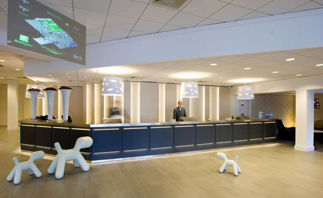 Holiday Inn-Brussels Airport-Belgium-Lobby with O-shape pendant lamps