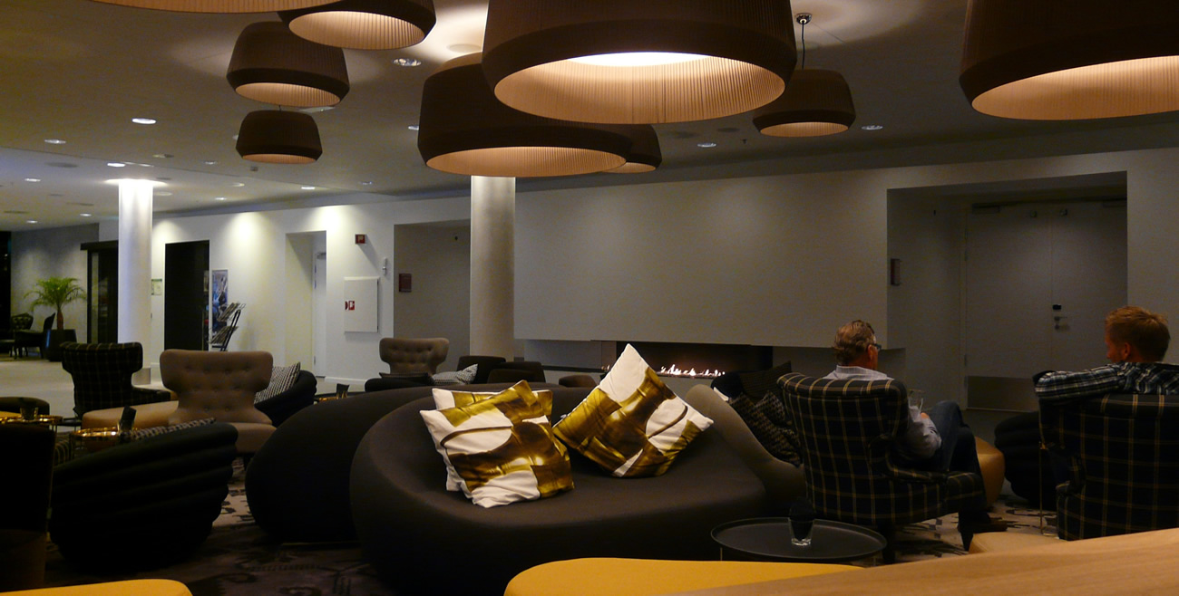 Brunklaus Amsterdam Design Pillow tin yellow Hotel Forus Stavanger