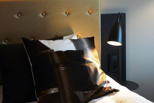 Design Pillow Tin red Hotel Forus Stavanger