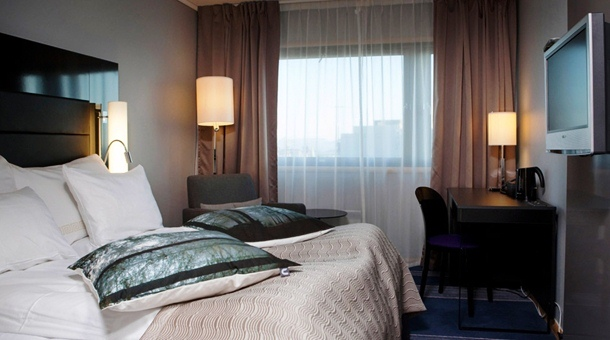 Clarion Hotel Stavanger with Forest Color Pillows